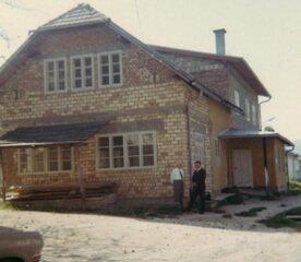 Vergrößerung um 1975